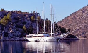 yacht charter istanbul